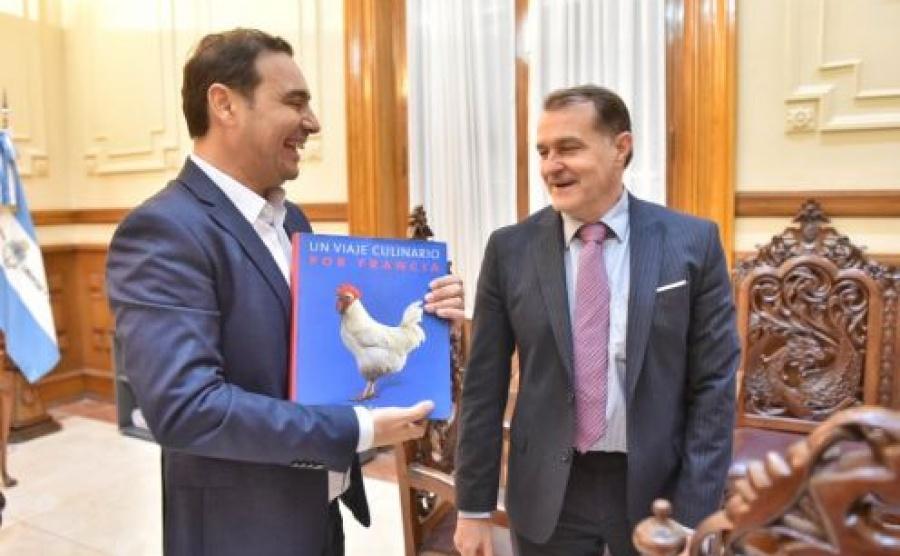 Con la mirada puesta en el desarrollo del ecoturismo, el Gobernador recibió la visita del cónsul francés en Argentina